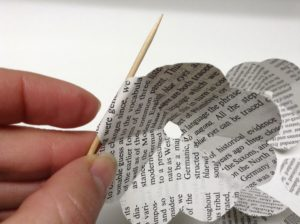 how to recycle a book into a paper rose