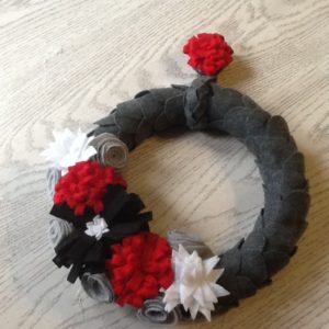 diy flower felt wreath