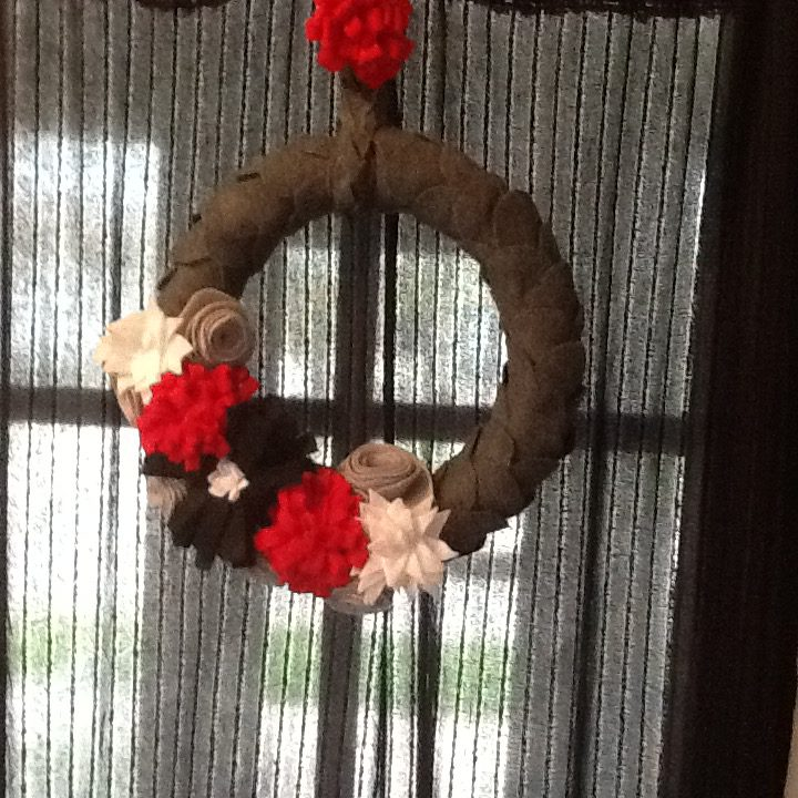 diy handmade felt flower wreath