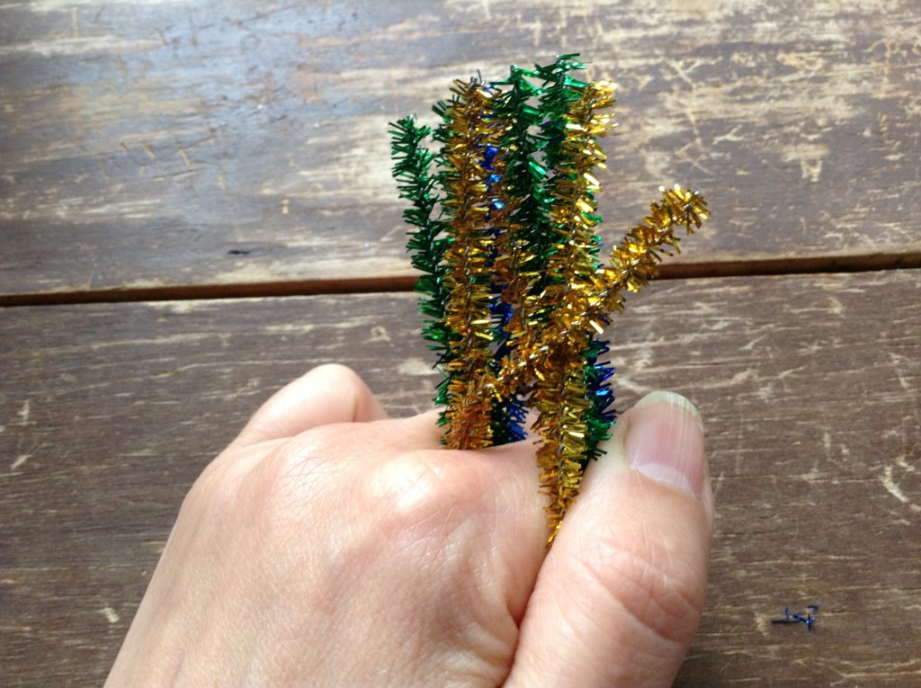 crafts to make with pipe cleaners