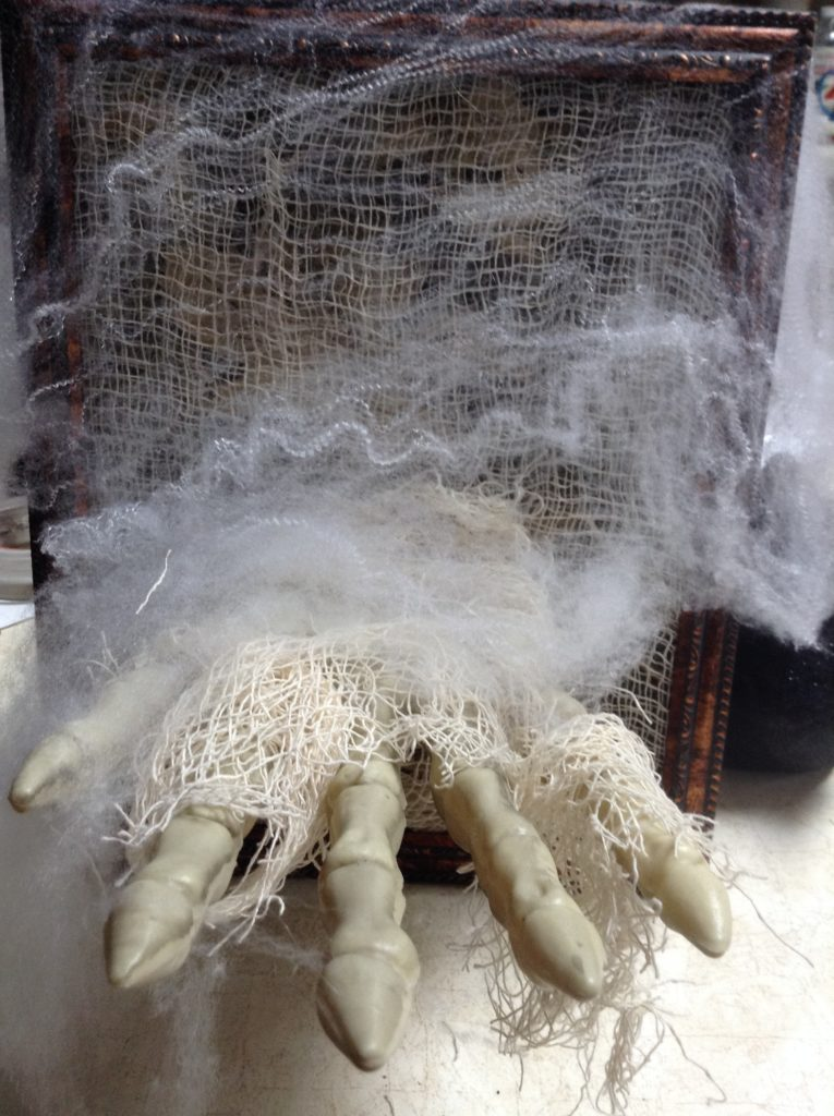 using spider webbing to decorate for halloween